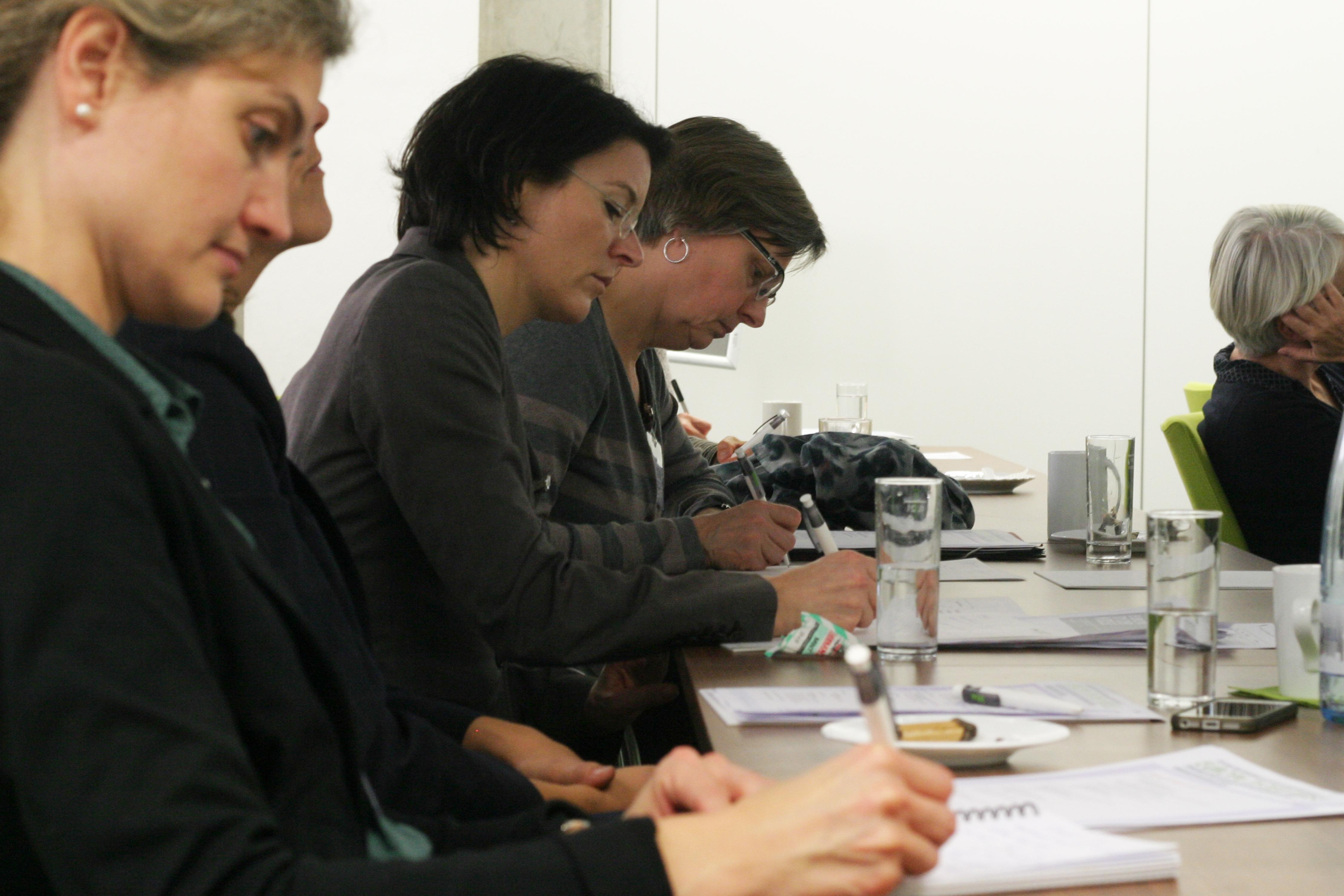 """Blick ins Auditorium auf der 13. efas-Fachtagung am 19./20. November 2015 zum Thema """"Europa in der Krise - Zugänge und Ergebnisse der ökonomischen Geschlechterforschung"""""""